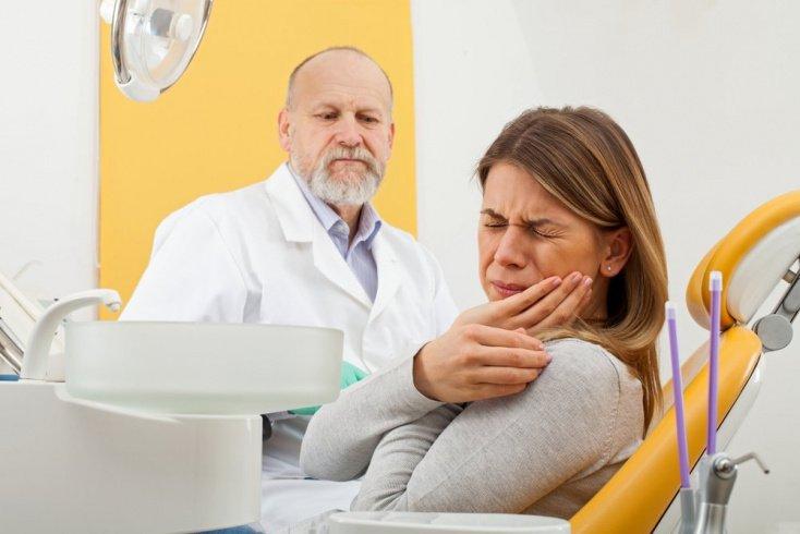 Как стоматологи лечат глоссалгию