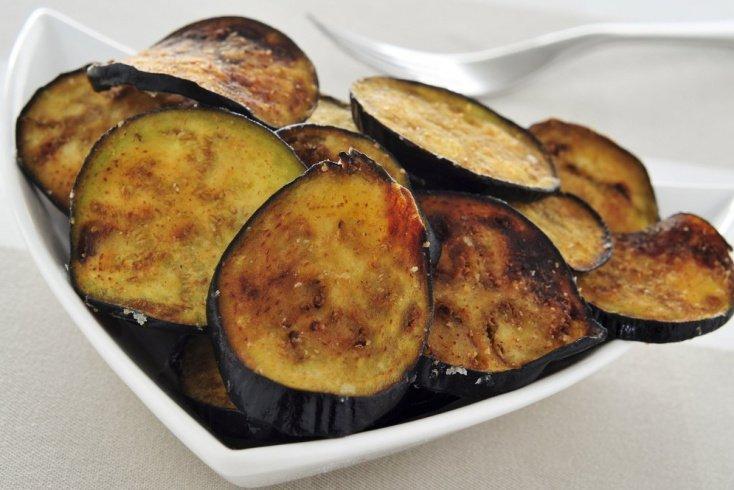 Хрустящие овощи: пикантные чипсы из баклажанов