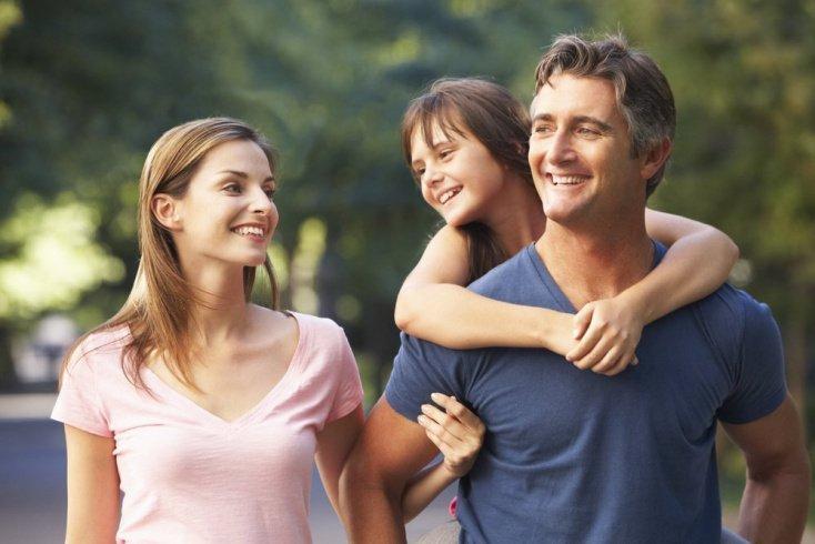 Как живут «привязанные» к родителям дети?