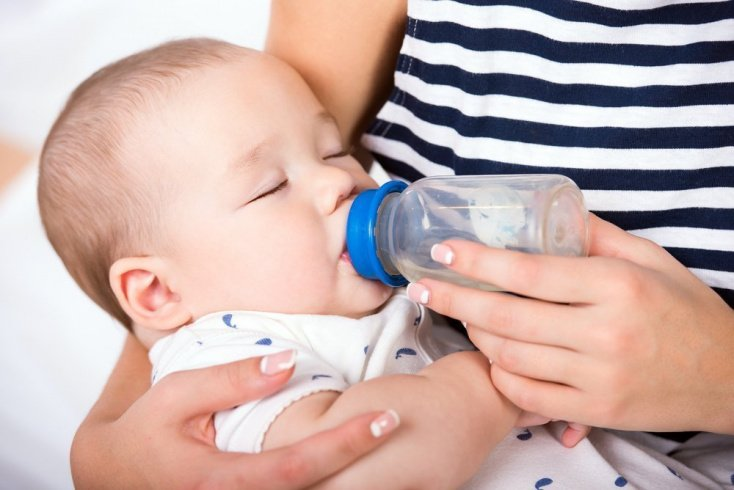 Когда вводить компоты в рацион питания ребенка?