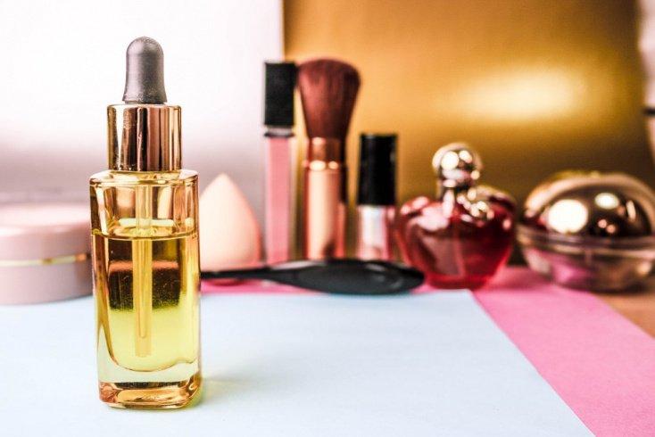 Сухая кожа: база под макияж с увлажняющими компонентами