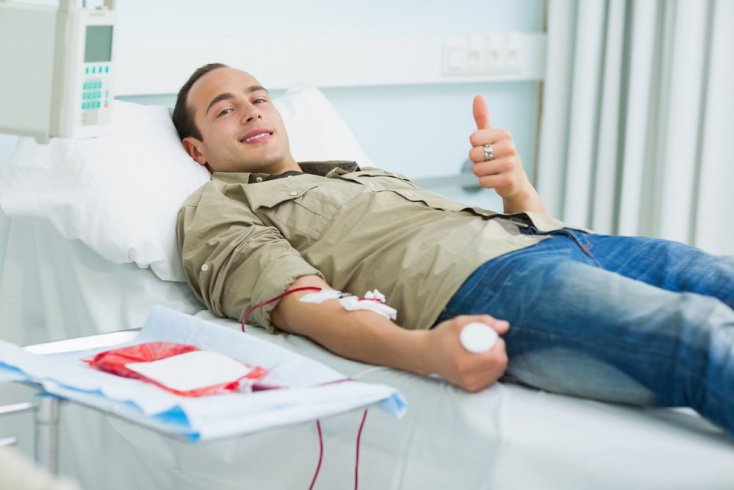 Зачем люди сдают кровь?