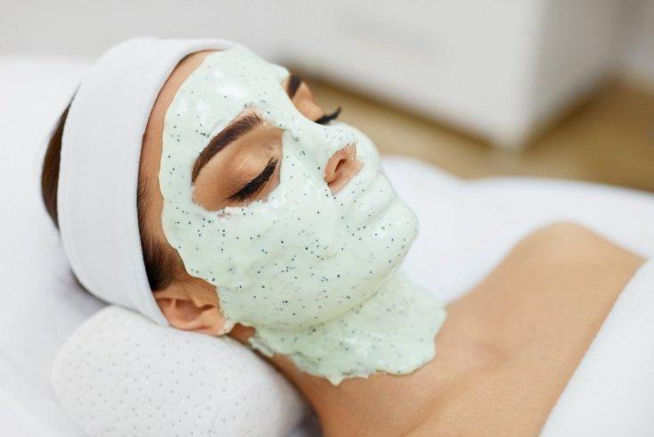 Альгинатная маска минимизирует признаки старения
