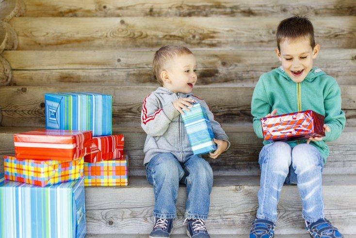 Что не нужно дарить детям постарше