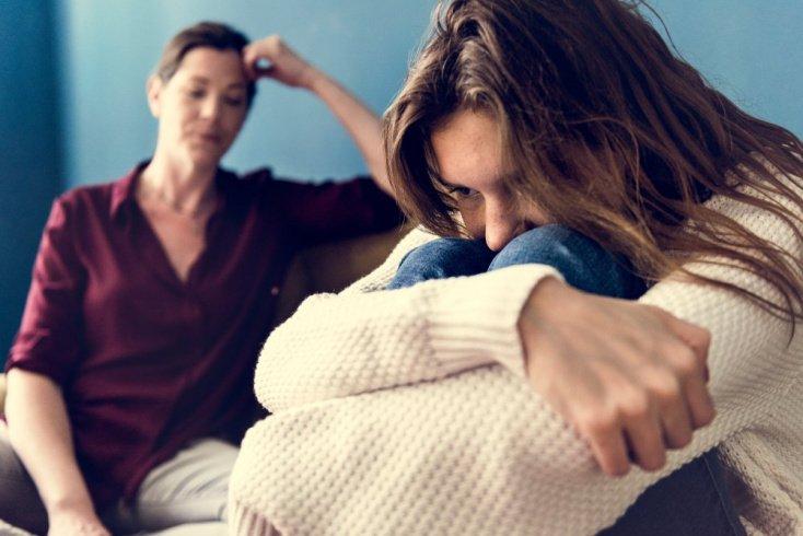 Зачем дети причиняют себе вред: истории из жизни