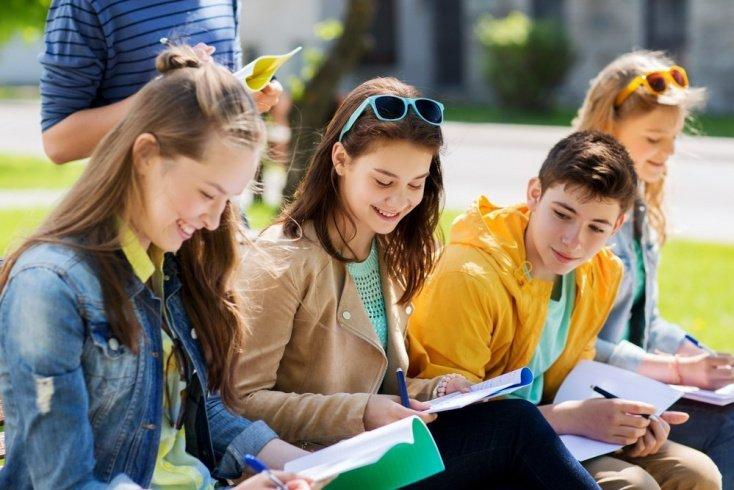 Сложности адаптации в подростковом возрасте: помощь взрослых
