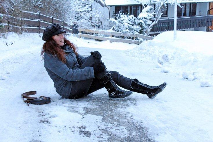 Как обезопасить себя от травмы: правила падения