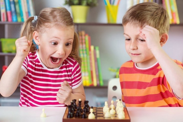 Зоны для отдыха и занятий для детей в детской комнате