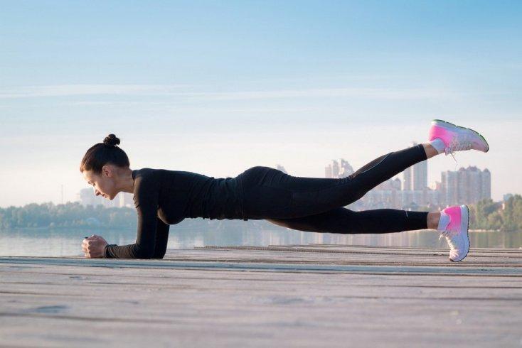 Преимущества планки среди других упражнений пилатеса