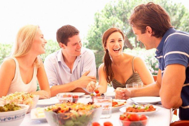 Как сохранить старые дружеские отношения и завести новые?