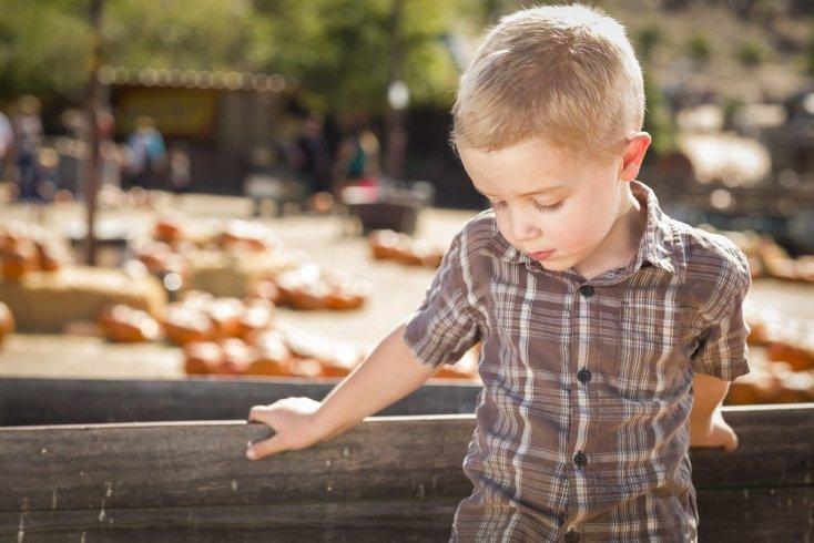 Отношения детей с окружающим миром: причины замкнутости