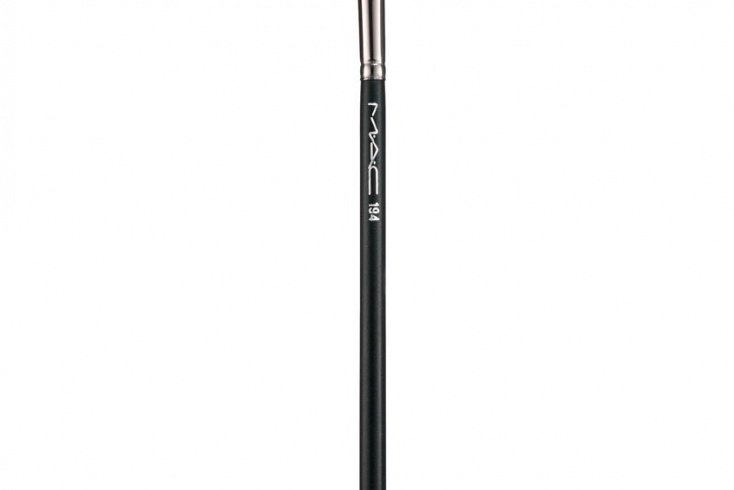 Кисть для консилера 194 MAC Concealer Brush Источник: fashiony.ru