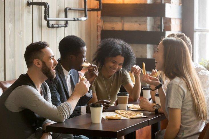 Преимущества общения с друзьями и близкими
