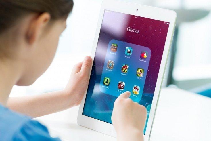 Чем опасны электронные игрушки для детей
