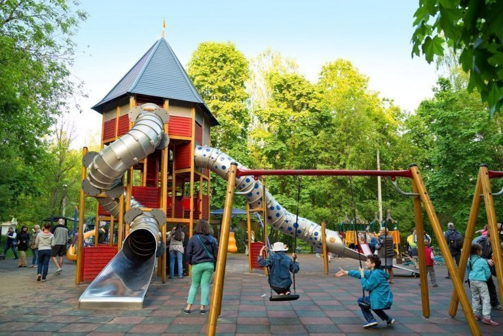Досуг для родителей с малышами в столице Источник: Balakate / Shutterstock.com