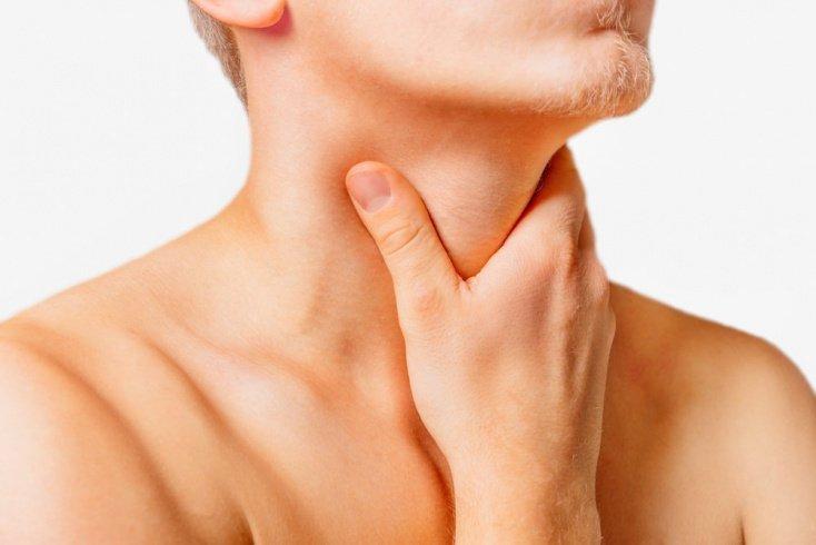 Почему возникает першение в горле?