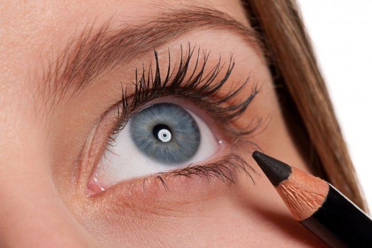 Разнообразие косметики для глаз
