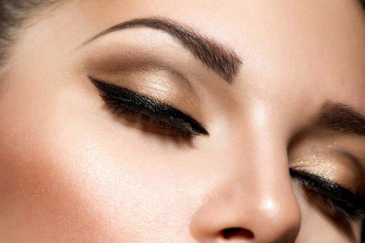 Как применяют карандаш кайал в макияже глаз