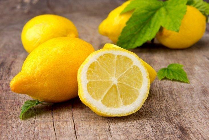 Здоровое питание: польза и вред лимона