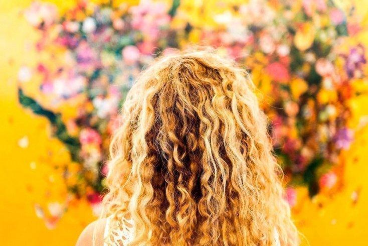Кому противопоказана химическая завивка волос