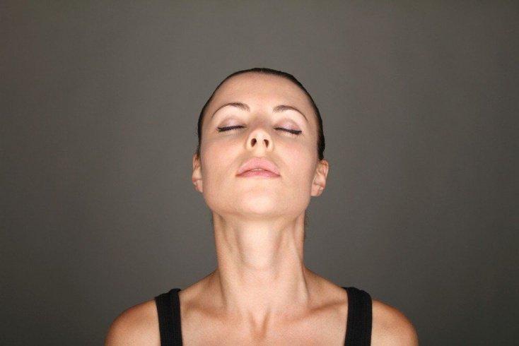 Физиологическая статика шеи — залог красоты