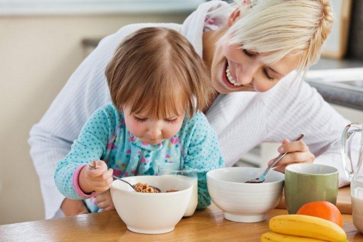 Завтрак для малыша и родителей