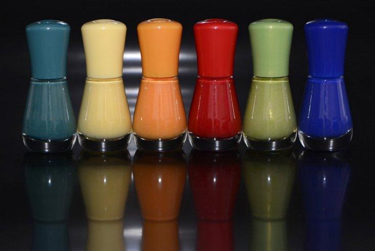 Родственное сочетание: мягкие переходы тонов в дизайне ногтей
