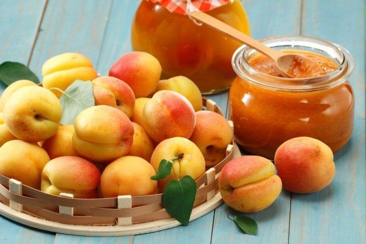 Свойства фруктов: чем полезен абрикос в питании?