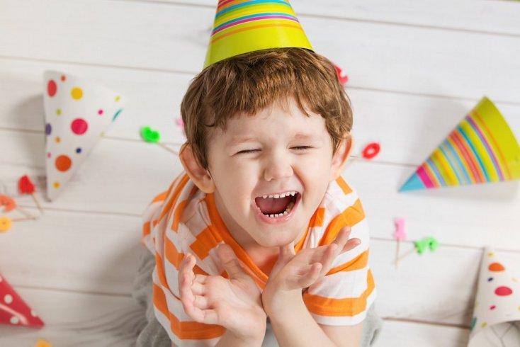 Как проявляется инфантилизм у ребенка?