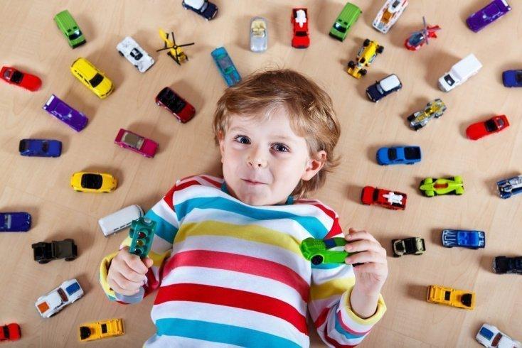 Развитие ребенка при изобилии игрушек: мнение психолога