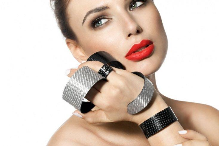 Уход за губами: секреты использования матовых помад