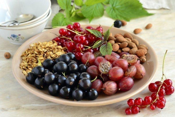 6. Миндаль и фрукты