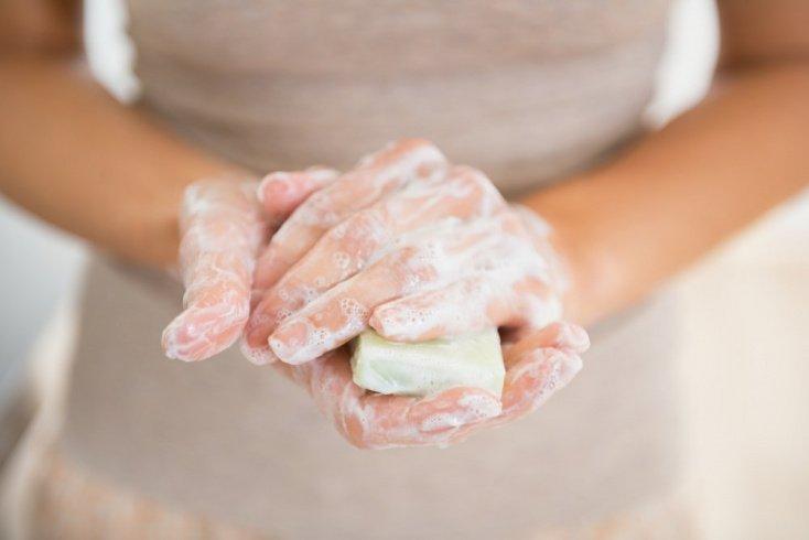 Миф 3: Новорожденного ребенка нужно мыть с мылом ежедневно
