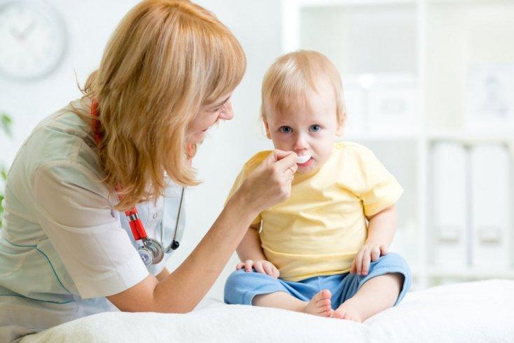Детям стоит выпить лекарство