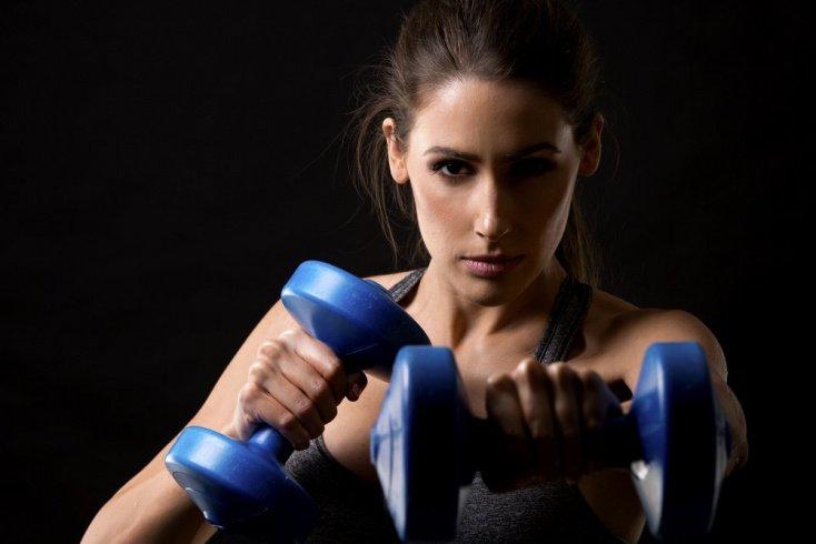 Фитнес упражнения на бицепс